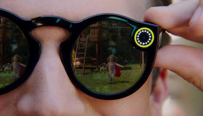 Spectacles gli occhiali di Snapchat