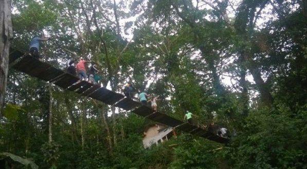Crollo ponte sospeso in Colombia