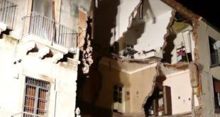 Crolla palazzina a Catania. Un morto e 4 feriti