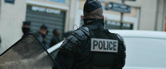 Aeroporto Parigi, ruba arma ad un militare subito ucciso
