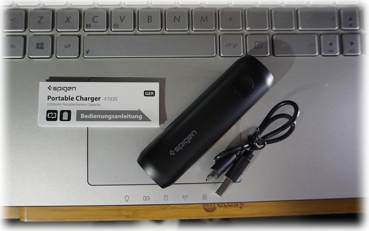 Caricabatterie portatile Spigen