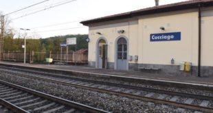 Uomo resta incastrato con un piedi nelle porte del treno