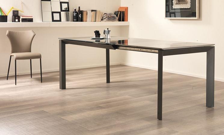 Poco spazio per il tavolo ecco le soluzioni blognews24 for Tavolo da cucina 110x70 allungabile
