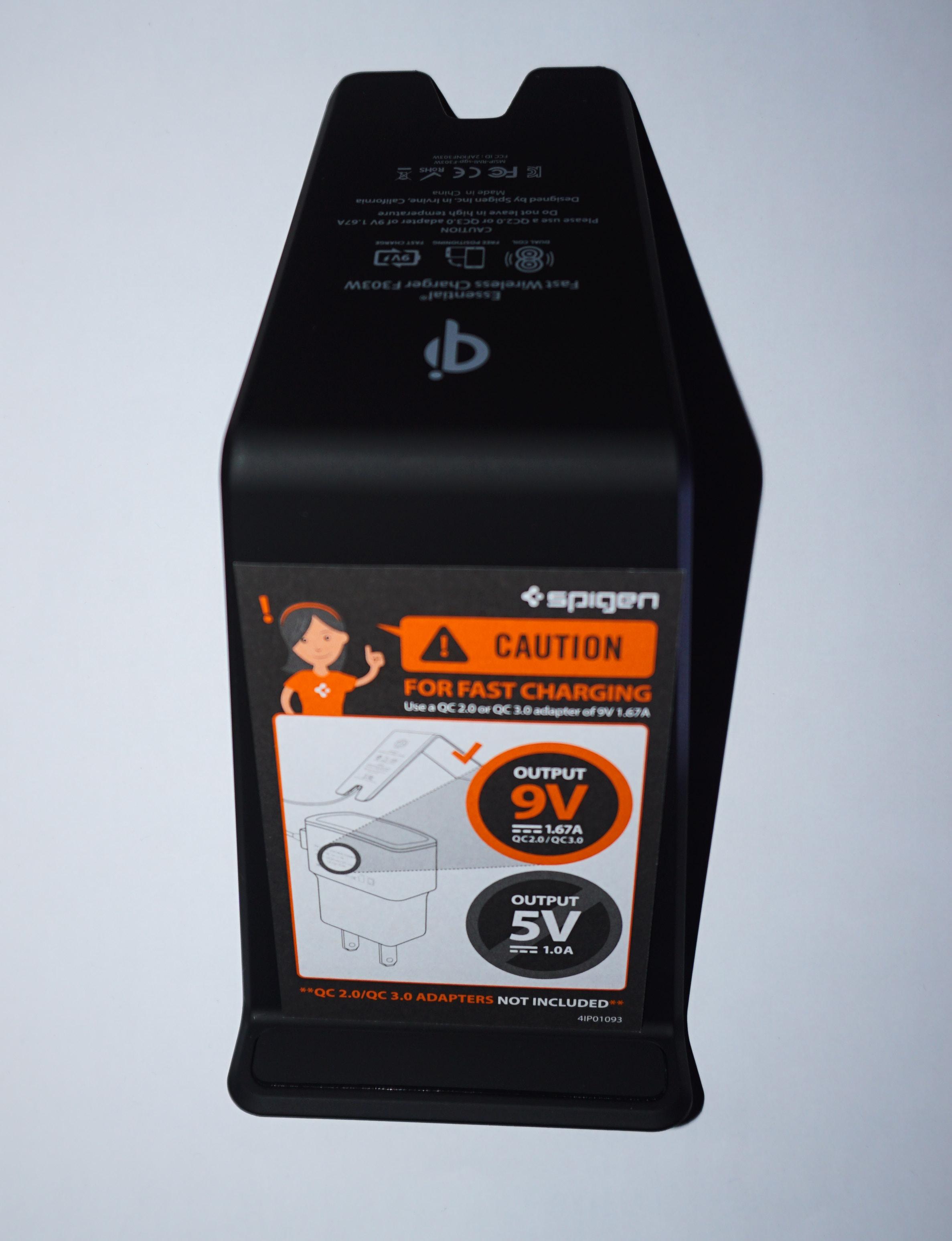 Stand caricatore veloce Wireless Spigen la recensione